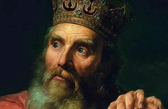 25 апреля 1333 года в Кракове коронован Казимир III Великий